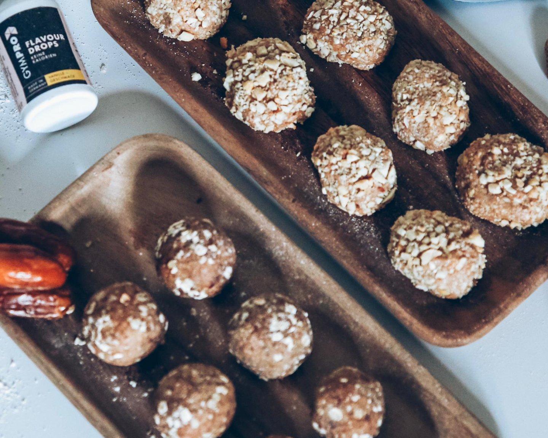 Protein Raw Bites: Erdnussbutter / Dattel-Hafer